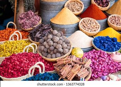 colored spicies in marocco souk