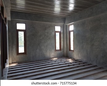 Colored walls on wooden floors - display