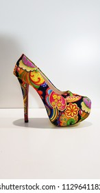 colorful abstract pattern shoe design, high heels women's fashion