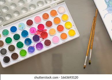 Colorful bright watercolor rainbow palette