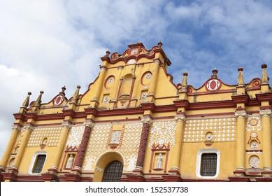 The colorful cathedral in San Cristobal de las Casas in Chiapas, Mexico