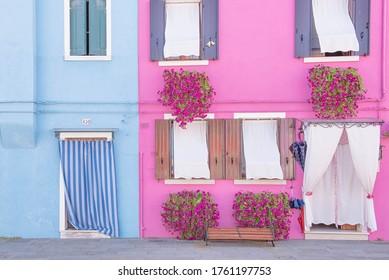 ヴェネツィアブラノ島イタリアヨーロッパのカラフルな都市景観