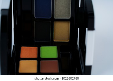Colorful eye shadow palette