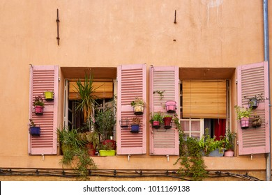 colorful facade in Provence, France
