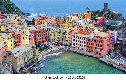 Colorful houses in the picturesque Vernazza Old Town on Mediterranean sea coast, Cinque Terre, Italy