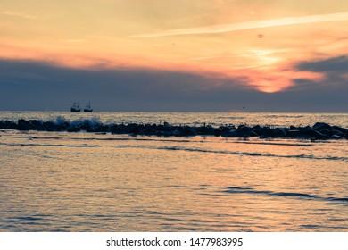 Crashed Ship Billeder, lagerfotos og -vektorer   Shutterstock