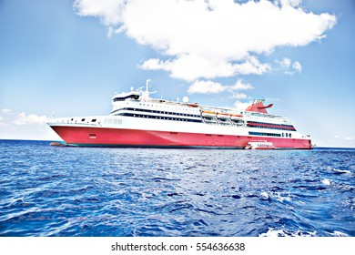 Colorful luxury ship design on sea, sunshine around the area, weather is good, white clouds are beautiful, luxury ships design.