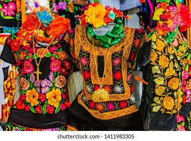 Imágenes Fotos De Stock Y Vectores Sobre Vestido Oaxaca
