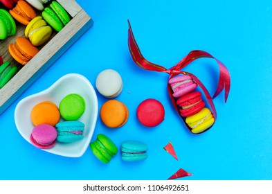 Colorful of mini macaroon dessrt with macro close up