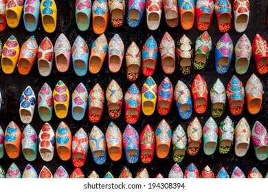 Colorful moroccan slippers: the famous artigianal handmade Babouches marocaines.