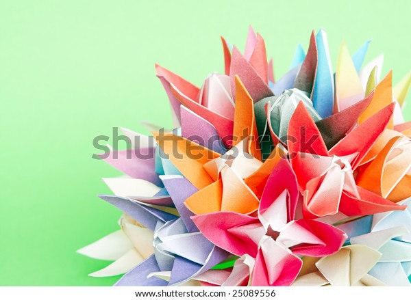 Flower Ball Video - Kusudama | DIY Origami Night Lamps | - YouTube | 439x600