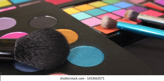 Colorful Pressed Pigment Pallets Close up