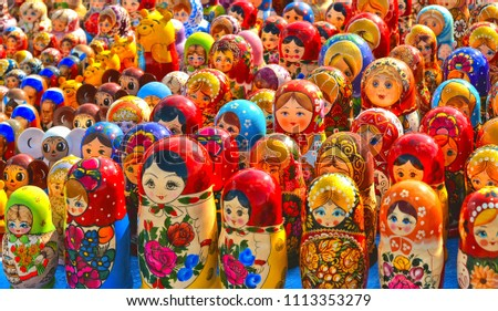colorful-souvenir-russian-nested-dolls-4