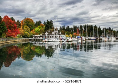 Colorful Stanley Park in an autumn afternoon