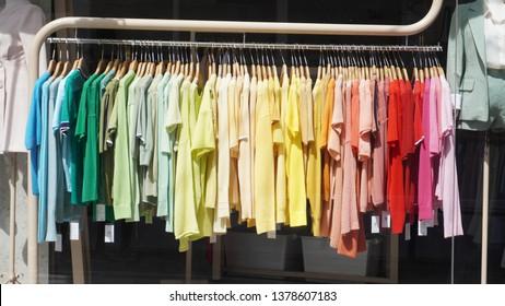Colorful T-shirts Shop