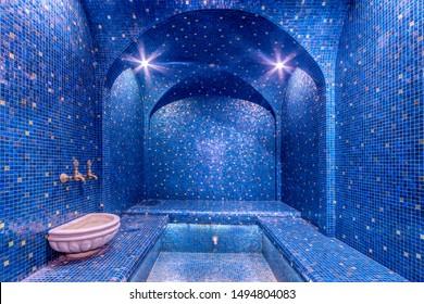 Colorful turkish bath interior. luxurious steam bath - hamam (hammam).