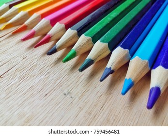 COLORFULL PENCIL COLORS