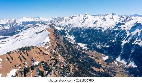 Colors of the Alps mountain range in Switzerland. The Fronalpstock is a 1920 m above sea level. M. high mountain of the Schwyz Alps in the canton of Schwyz on Morschach.