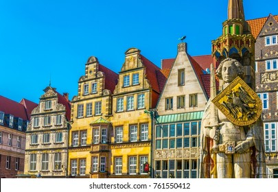 Colourful facades with bremer roland statue in Bremen, Germany.