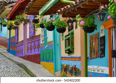 colourful house exterior in Guatape Colombia