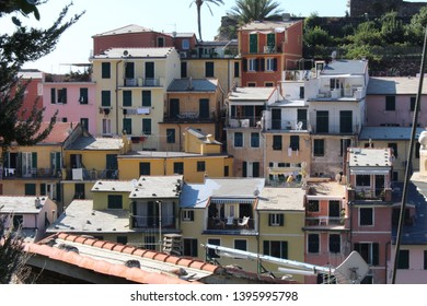Colourful houses of Vernazza, Cinque Terre, Italy.