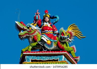 Colourful statues adorn Longshan temple, the largest in Taipei and indeed Taiwan. A mixture of Buddhist, Taoist, and Mazu deities areworshipped here.