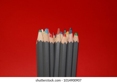 Colouring pencils upright