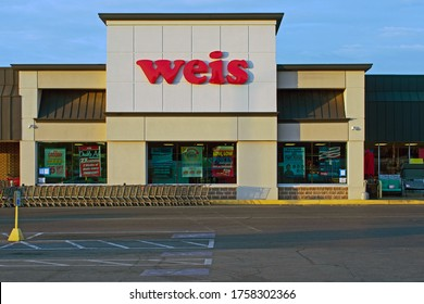 Columbia, Pa./USA-June 17, 2020: Weis markets is a grocery store chain.