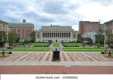 Columbia University, Central Quadrangle and Butler Library in Columbia University in Upper Manhattan, New York City, USA