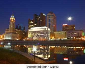 Columbus city skyline at night.
