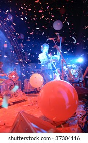 COLUMBUS, OH - SEPTEMBER 18: The Flaming Lips perform at the LC Pavilion on September 18, 2009 in Columbus, Ohio