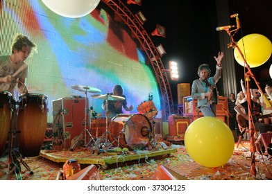 COLUMBUS, OH - SEPTEMBER 18: The Flaming Lips perform at the LC Pavilion on September 18, 2009 in Columbus, Ohio.