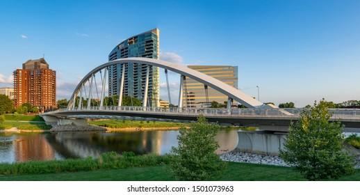 Columbus, Ohio - August 2, 2019: The Main street bridge in Columbus, Ohio on August 2, 2019.