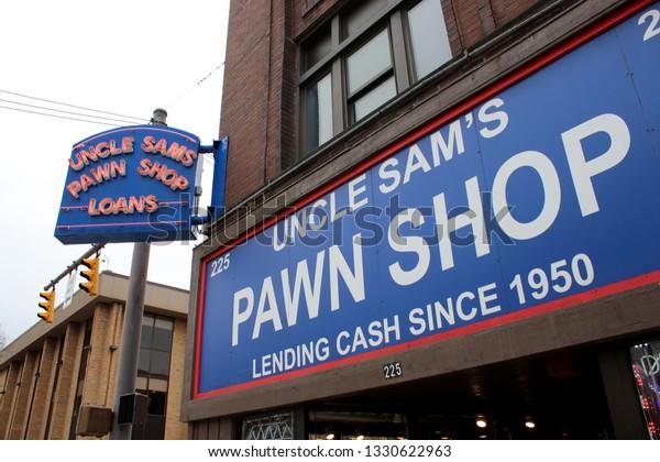 Pawn Shops Columbus Ohio >> Columbusohio February 282019 Uncle Sams Pawnshop Stock Photo