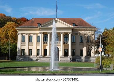 Column house in Munich