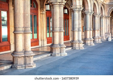 columns in baroque style of Vienna Operahouse