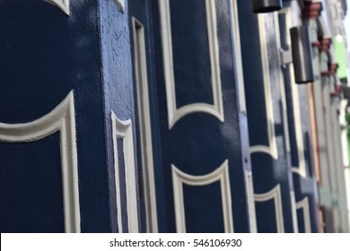 Columns of a building - Garden District, New Orleans, Louisiana, USA