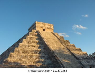 Columns of the kings, kukulkan, landmark, Chichen Itza Mayan Ruins in Riviera Maya, Mexico