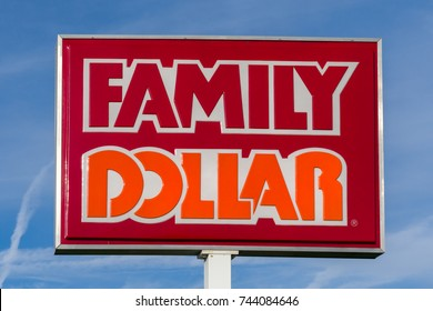 COLUMUBUS, OH/USA - OCTOBER 21, 2017: Family Dollar store and sign. Family Dollar is an American variety store chain in the United States.