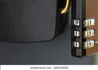 Combination lock with the numbers 9-1-1