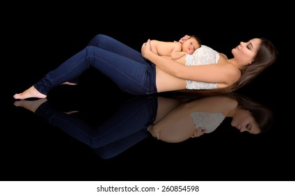 Combined image of a pregnant woman and a woman after giving birth to her baby