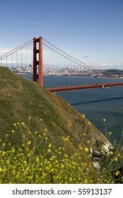 Combining the downtown, the famous Golden Gate Bridge and the area's natural beauty. Uniquely San Francisco.