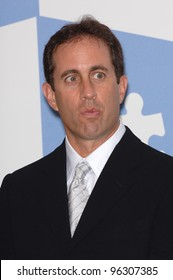 """Comedian JERRY SEINFELD at """"One Night Only: A Concert for Autism Speaks"""" Gala in which he starred at the Kodak Theatre, Hollywood. September 24, 2005  Los Angeles, CA.  2005 Paul Smith / Featureflash"""
