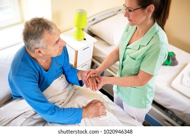 Comfort alone patient at nursing home, neglected old people