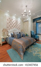 the comfortable bedroom with nice decoration