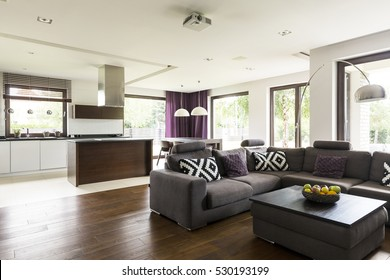 Comfortable lounge corner in a bright modern living room