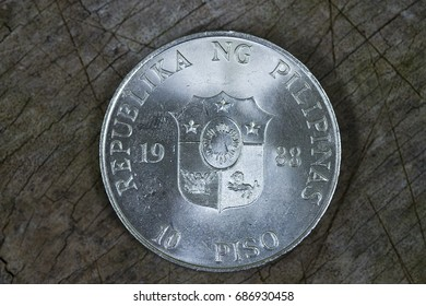 Commemorative coin featuring the People Power revolution in Edsa during Febraury of 1986.