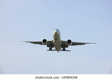 Commercial airplane approaching the runway