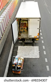 Commercial good delivery truck and forklift vehicle