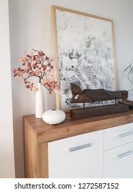 Commode furniture and decoration for welcome entrance